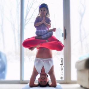 Mother-and-Daughter-Yoga-01